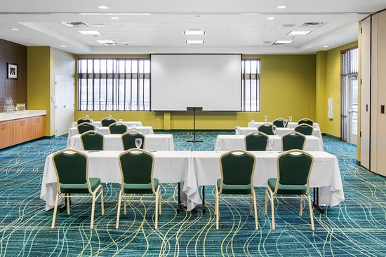 SpringHill Suites Chattanooga Downtown/Cameron Harbor: Tennessee River Room with Classroom set-up