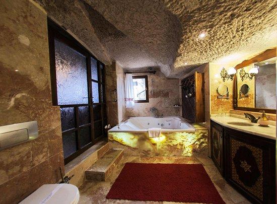 Ayvalı, Türkiye: Superior Suite Bathroom