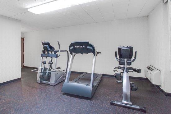 Days Inn Liberty: Fitness Room