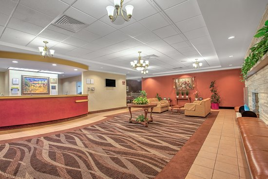 Days Inn Liberty: Lobby & Front Desk Area
