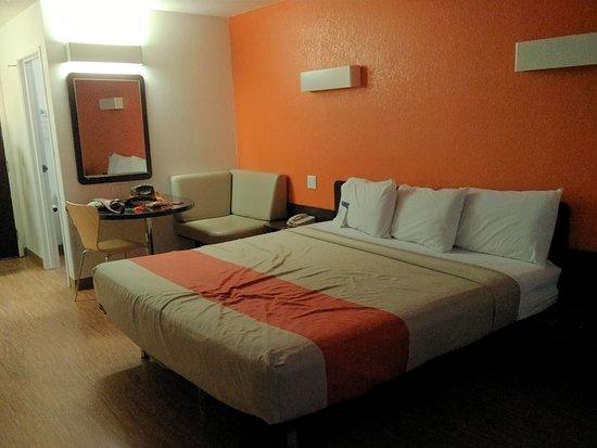 Motel 6 Williams East - Grand Canyon: La nostra camera con letto king