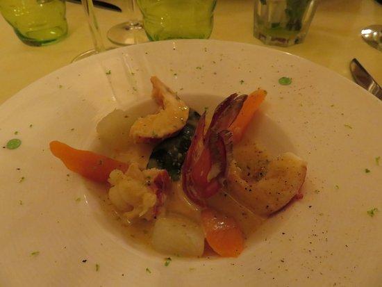 Le Lude, فرنسا: entrée homard et ces petit légumes