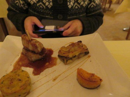 Le Lude, فرنسا: pièce de bœuf avec du foie gras poêlé