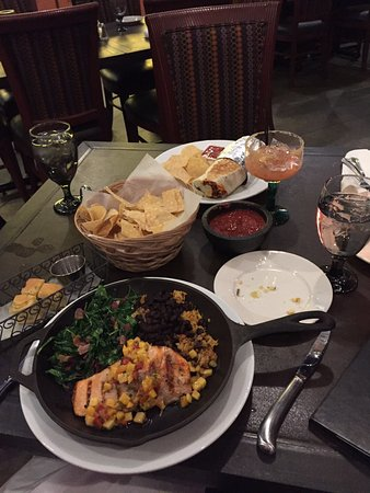 Falmouth, Μέιν: Our table full of crazy good food