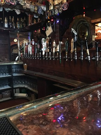 Hurley's Irish Pub: photo0.jpg