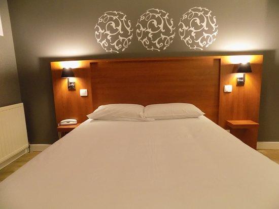 Hotel Martinez Grenay