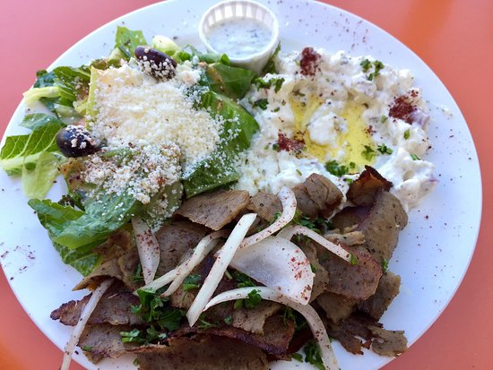 Sarah's Greek Cuisine & More: Gyro lunch Platter