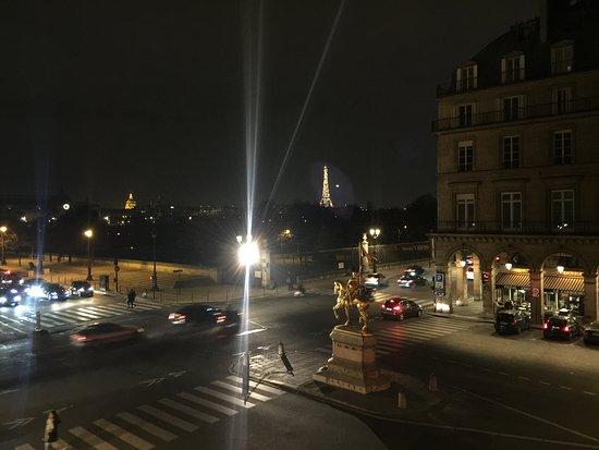 Regina Hotel: Night View
