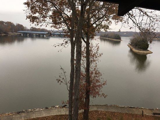 Cadiz, KY: View of Marina from balcony with room