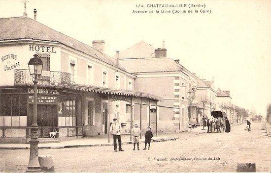 Chateau du Loir, France: Carte Postale