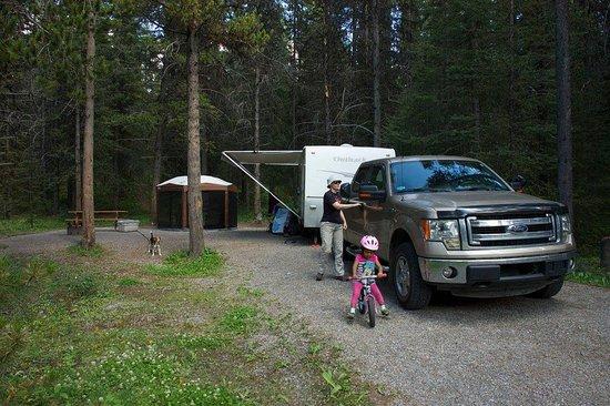 Exshaw, Kanada: Long and spacious camp sites