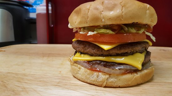 Redd's Grill: Double Cheese Burger with grilled onions.
