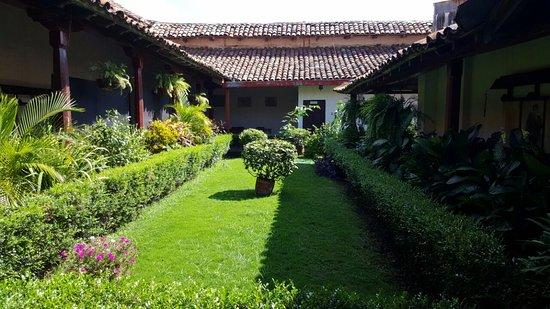 Museo Ruben Dario: The central garden.