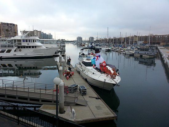 Oakwood Apartments Marina Del Rey: 20161210_041141_large.jpg