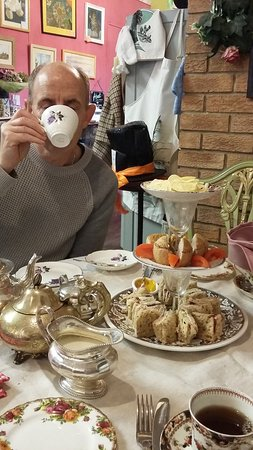 A Time To Remember Vintage Tearooms : Lovely afternoon tea with my wonderful husband