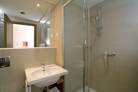 Valamar Riviera Hotel & Residence : Valamar Riviera Hotel Classic single Bathroom
