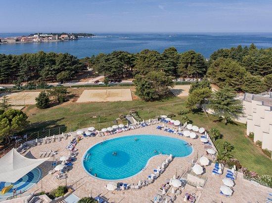 Valamar zagreb hotel porec croazia prezzi 2018 e for Camere a porec