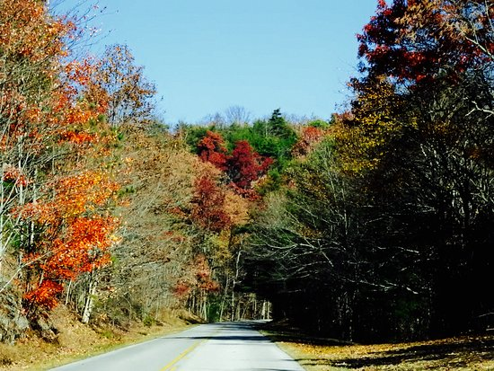 Townsend, Τενεσί: Foothills Parkway in the late fall