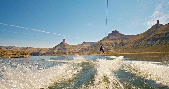 Sweetwater County, WY: Wakeboarding on Lake Flaming Gorge