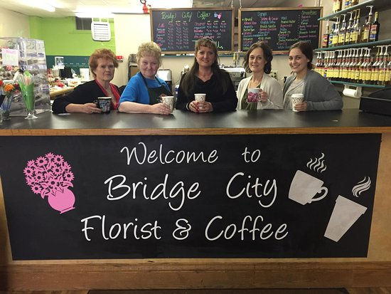 Mobridge, Dakota del Sur: Family owned flower and coffee shop