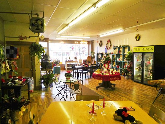 Mobridge, Dakota del Sur: Full service shop with coffee shop seating