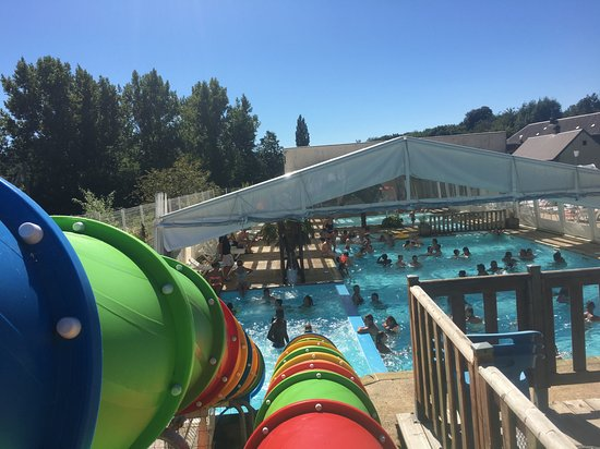 camping la kilienne piscine couverte chauffe et toboggans aquatiques
