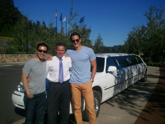 Carlton, Oregón: Touring with Sasha Roiz and Reggie Lee from Grimm