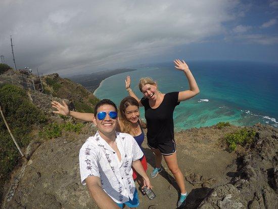 Seaside Hawaiian Hostel : Diamonds catwalk: Roberto (PY), Renata (BR), Ellen (DE)