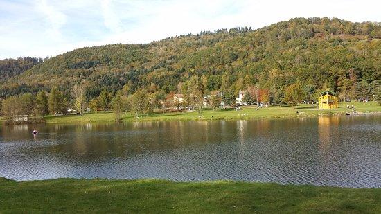 Saulxures, France : lac de la moselotte