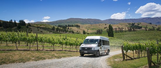 Appellation Wine Tours: Scenic drive up to Scott Base