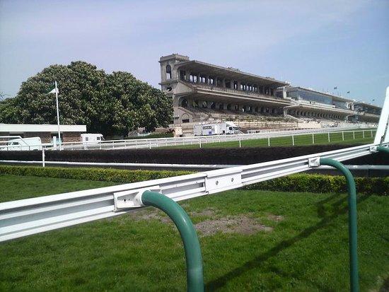 Hippodrome d'Auteuil : 内馬場から