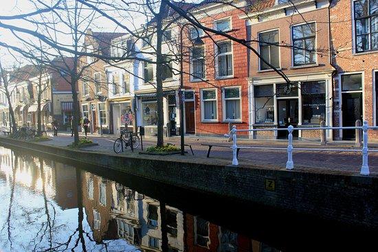 Beestenmarkt: 廣場附近的巷弄