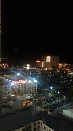 Edgewater Hotel & Casino: Вечерний Лафлин