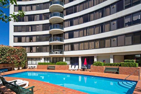 堪培拉布雷克弗雷首都塔飯店