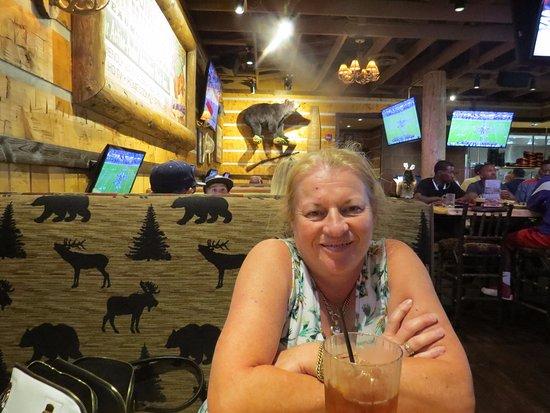 Twin Peaks Beaumont: Screens & Wildlife