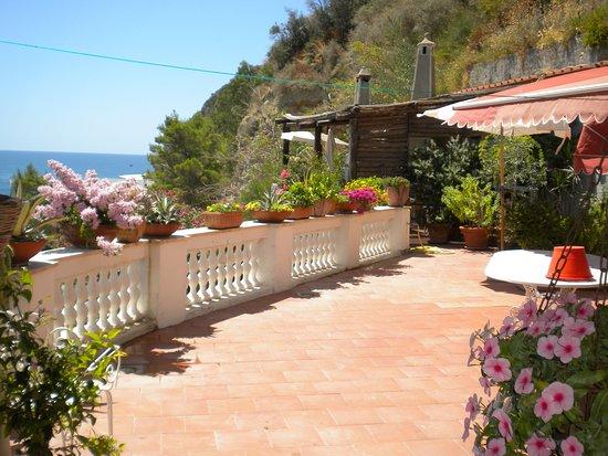 Maison de charme villa margherita sant 39 angelo italie voir les tarifs et avis chambres d for Asilo masi maison de charme