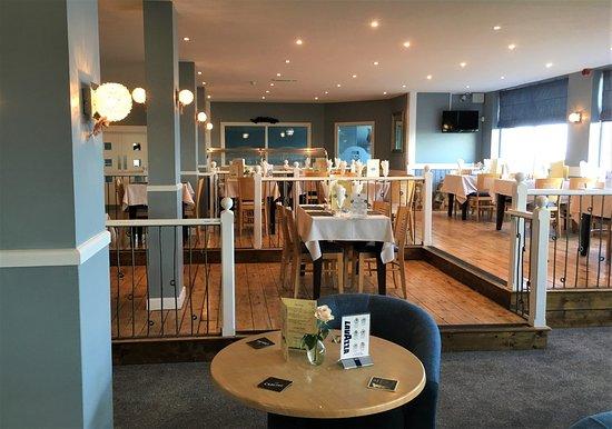 Corton Villas: Waterside Bar & Restaurant