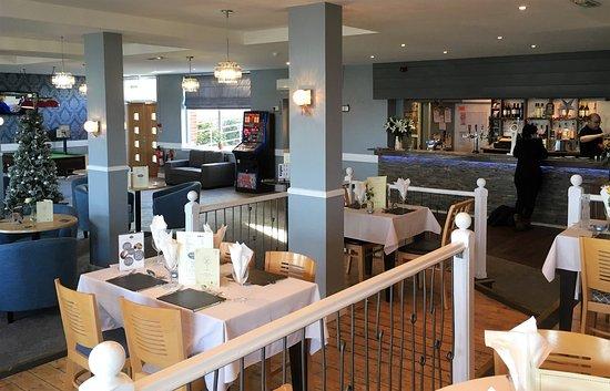 Corton Villas: Onsite Bar & Restaurant