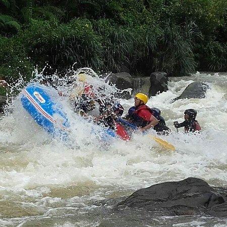Ceylon Max Travels White Water Rafting
