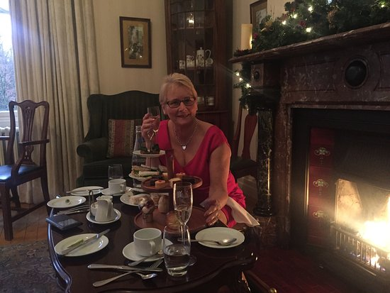 Upperlands, UK: Afternoon Tea by the fire on a cold Day just before Christmas..... perfect
