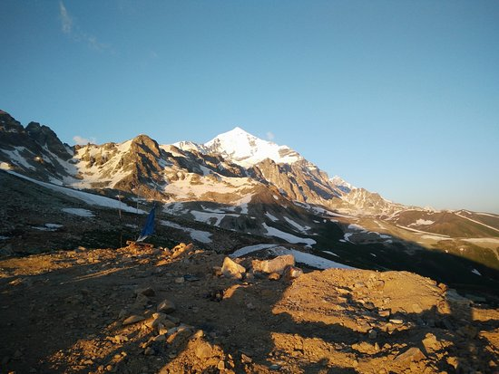 Mestia, จอร์เจีย: nby Tetnuldi Mountain - the highest rise of the trip