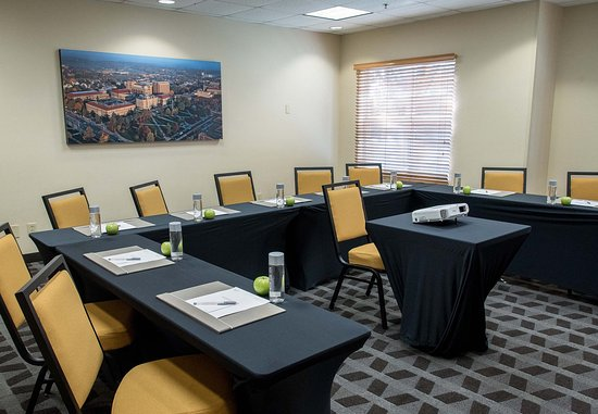 TownePlace Suites Lafayette: Meeting Room