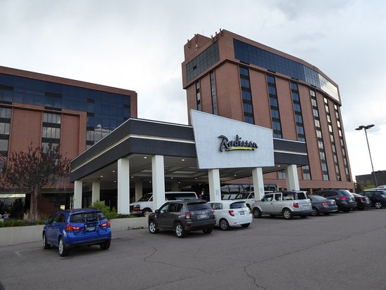 exterior view picture of radisson hotel denver southeast. Black Bedroom Furniture Sets. Home Design Ideas
