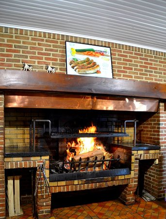 Le Bonavis : Notre cheminée au feu de bois