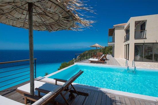 Milos Bay Villas