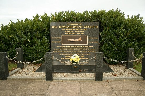 RAF Deenethorpe War Memorial