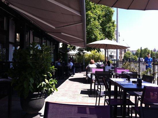 Terrasse Très Fleurie Picture Of Restaurant Zanzen