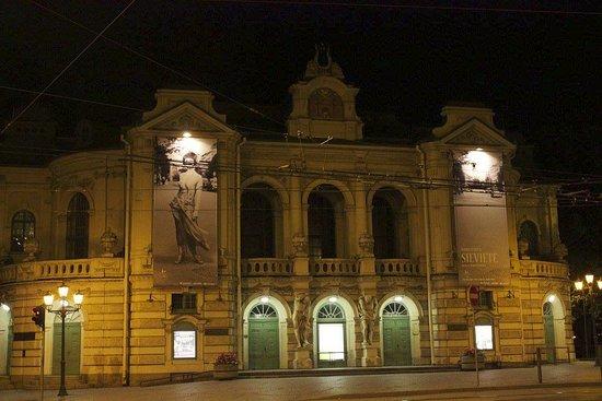 Latvian National Theater: Bei Nacht