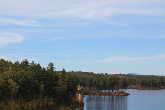 Weare, NH : gorgeous fall day at the Everett Dam