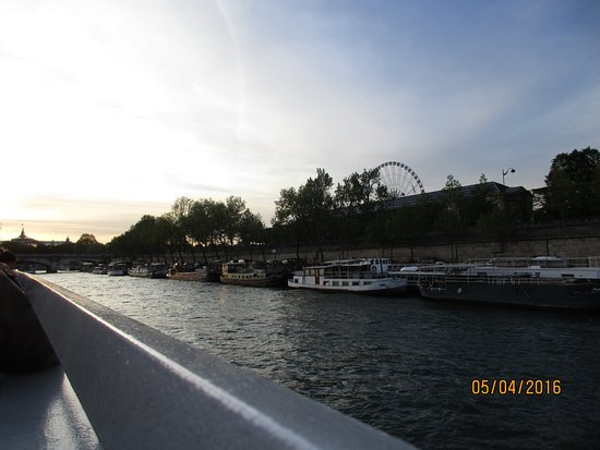 Bateaux Mouches: Views from the boat